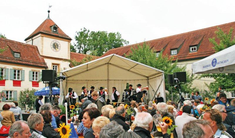 Die Obermenzinger Blasmusik La Fanfare D'Obermenzingen Auf Bergeshöhn - Mühltaler-Polka - Vier Paar Weisse Pferde - Bis - Bis - Bis