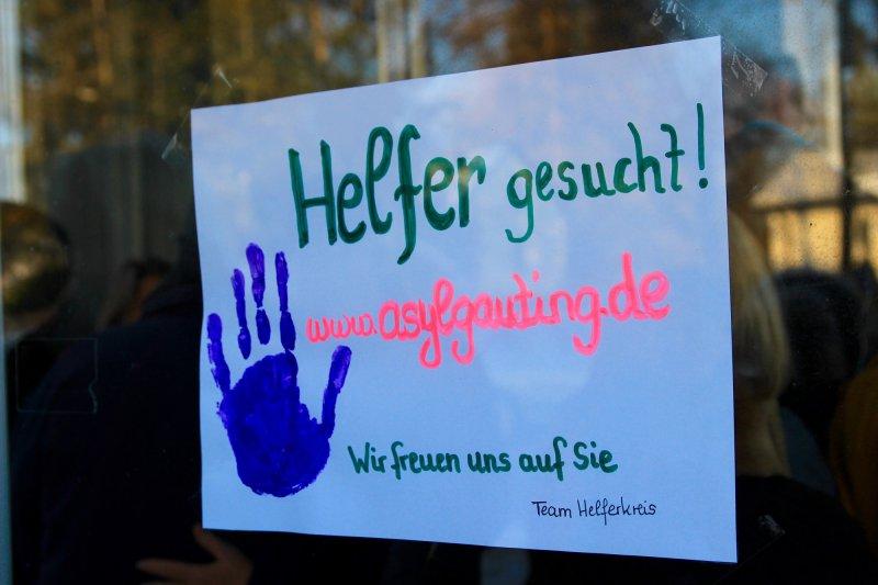 Dach überm Kopf / Unterkunft für 130 Flüchtlinge in der Gautinger ...