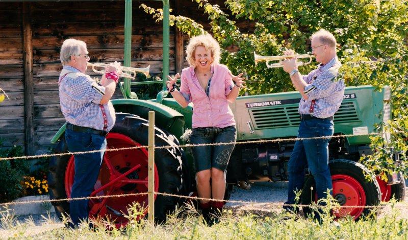 """Humor und Lebensfreude gehören bei den Auftritten von """"Tine mit den Trompeten der Berge"""" dazu.    (Bild: Denny Schönemann)"""