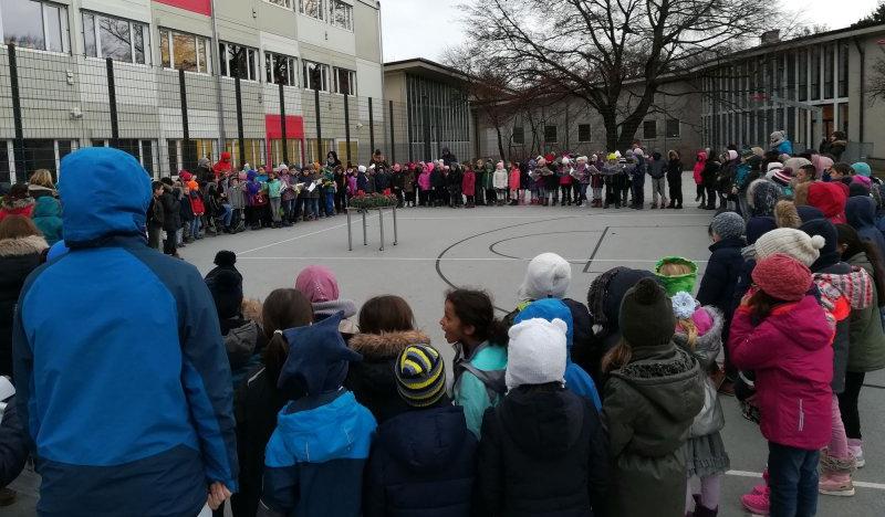 Vorfreude an der Grundschule an der Fernpaßstraße auf die Feiertage
