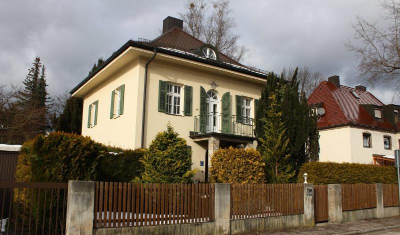 "Hervorragend Völlig schutzlos"" / Bezirksausschuss: ""Kakteen-Kaiser""-Villa nicht YQ12"