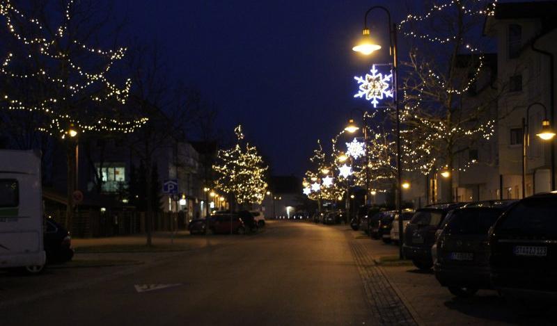 Weihnachtsbeleuchtung München.Fast Wie Auf Der Champs élysées Sterne Leuchten International Und